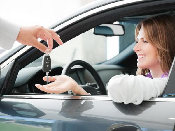 girl buy new car